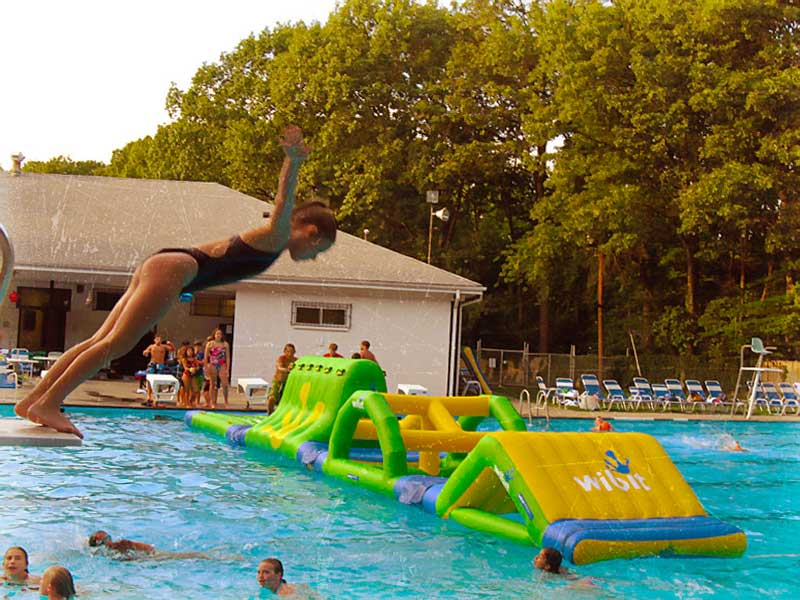 A Family-Friendly NJ Swim Club!